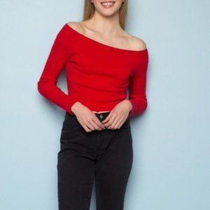 Brandy Melville   Mayson off-the-shoulder top